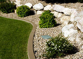 Arizona Trucking and Materials offers a large variety of decorative rock, flagstone, sand, and other landscaping materials to help build your dream yard from start to finish.